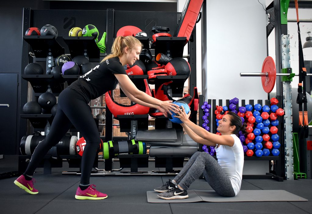 next level ams amsterdam amstelveen boutique fitness center functional women bodypump grit strength empowering lifestyle coach Tal Assa natural healthy lose weight summer body goals grand opening Sportschool Gyms personal training